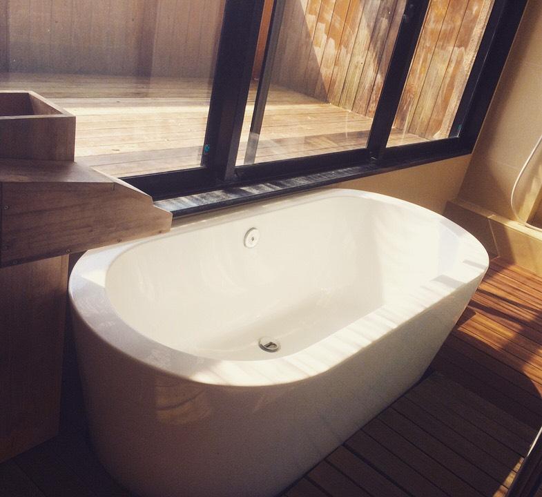 ▲これが部屋にある。温泉だ。ヒノキVer.もある。